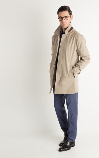 Impermeable beige