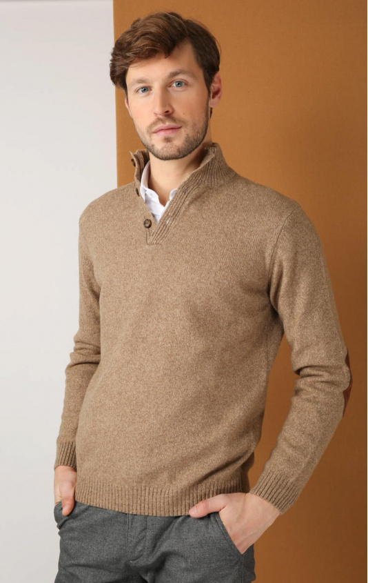 Pull col montant boutonne creme